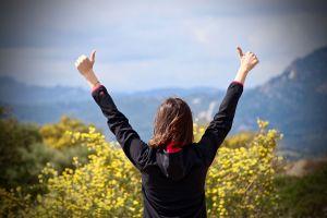 Cómo generar pensamientos positivos en 5 sencillos pasos