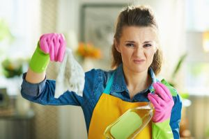 Cómo quitar los malos olores de una habitación