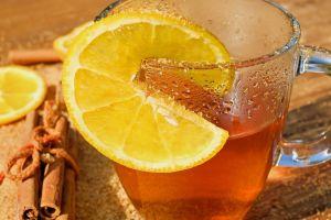 Remedios matutinos: Bebida de cúrcuma, limón y canela para perder peso