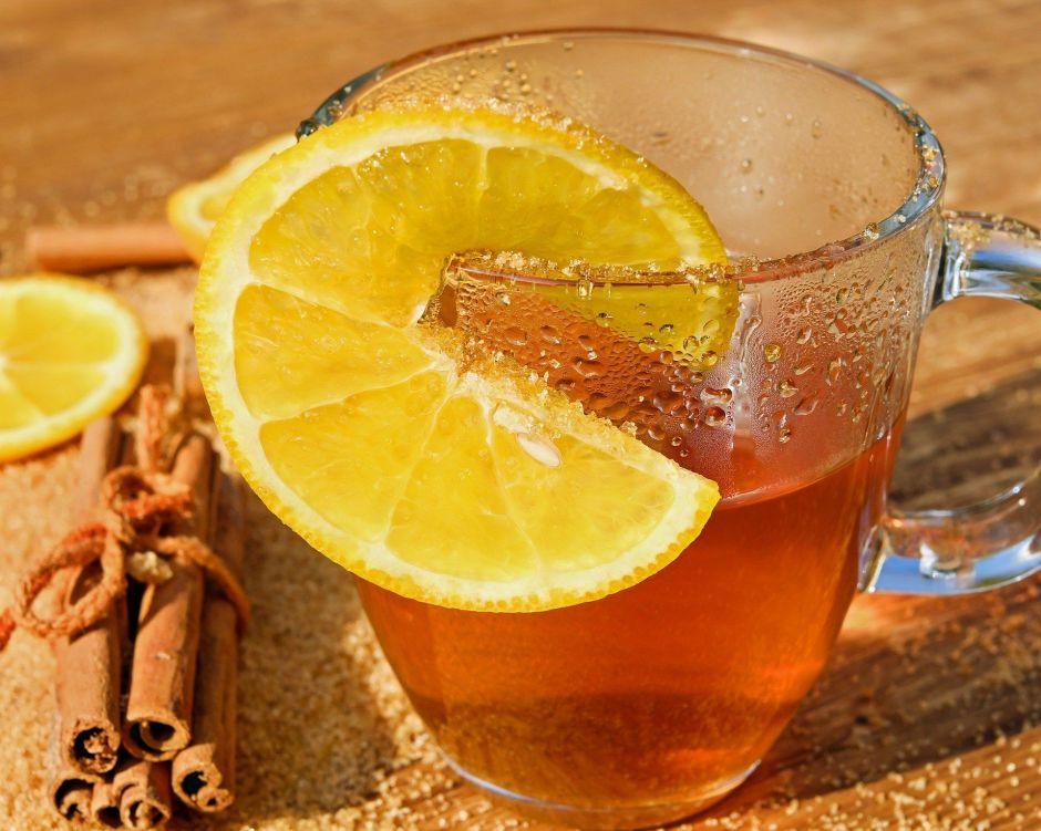 Remedios matutinos: Cálido y medicinal té de canela con naranja