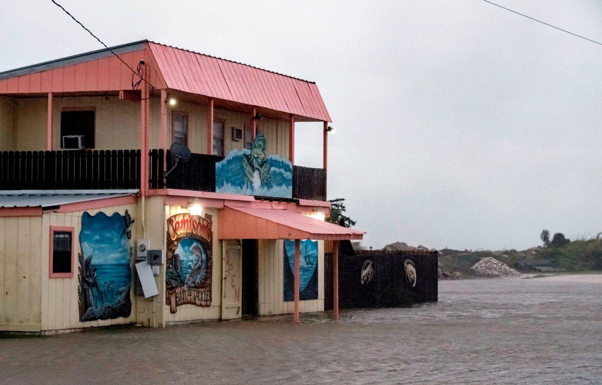 """Huracán Sally amenaza con """"inundaciones históricas"""" en Mississippi, Alabama y Florida desde este martes"""
