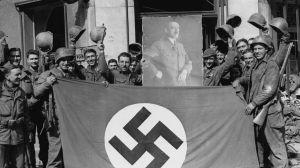 Suspenden a 29 policías alemanes por compartir fotos de Hitler y participar en chats de ultraderecha