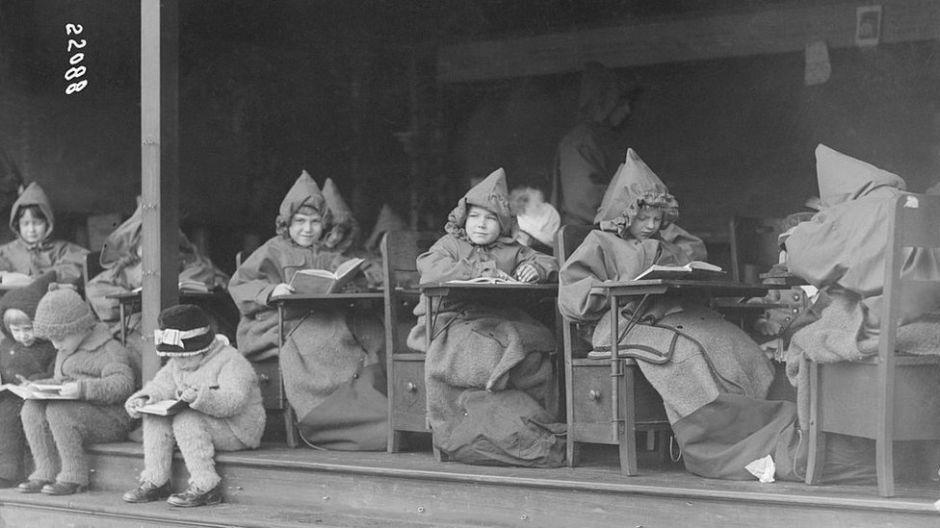 La original manera con la que hace 100 años se fomentó el regreso a la escuela en medio de una terrible enfermedad infecciosa