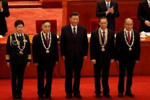 """Xi Jinping festeja el """"éxito"""" en la """"guerra del pueblo contra el coronavirus"""""""