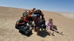 """""""Solo un par de horas más y no la contamos"""": cómo fue el rescate de migrantes venezolanos en el desierto de Chile"""