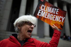 Cómo la industria del petróleo nos ha hecho dudar sobre el calentamiento global (con la misma estrategia de las tabacaleras)
