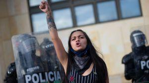 Colombia: Corte Suprema ordena al gobierno garantizar la protesta pacífica y pedir perdón por excesos de la policía