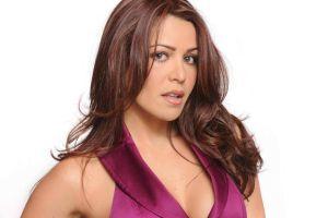 Dayana Garroz, actriz de Telemundo, muestra que una mujer embarazada puede ser muy sexy con pequeños bikinis