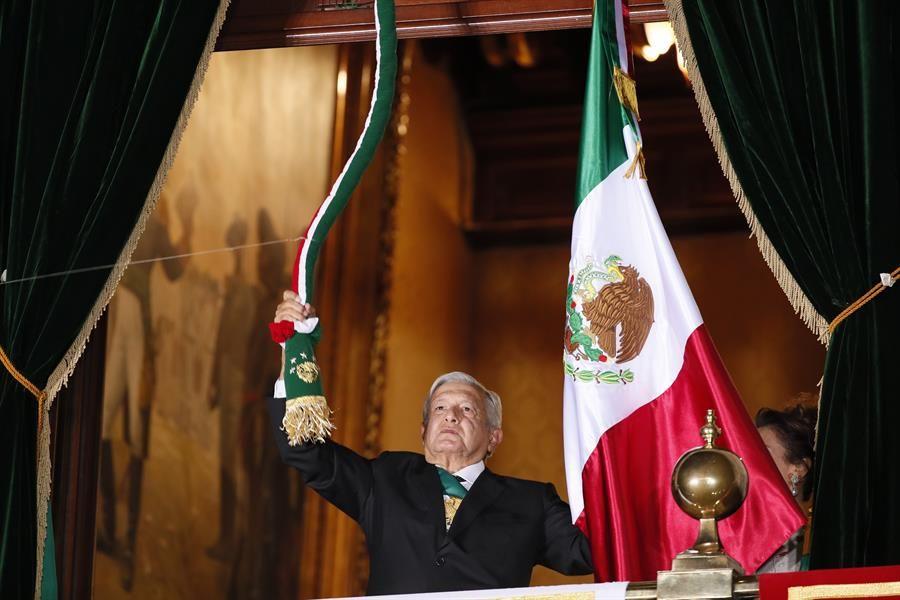 """México da """"El Grito"""" de Independencia bajo una """"nueva normalidad"""""""