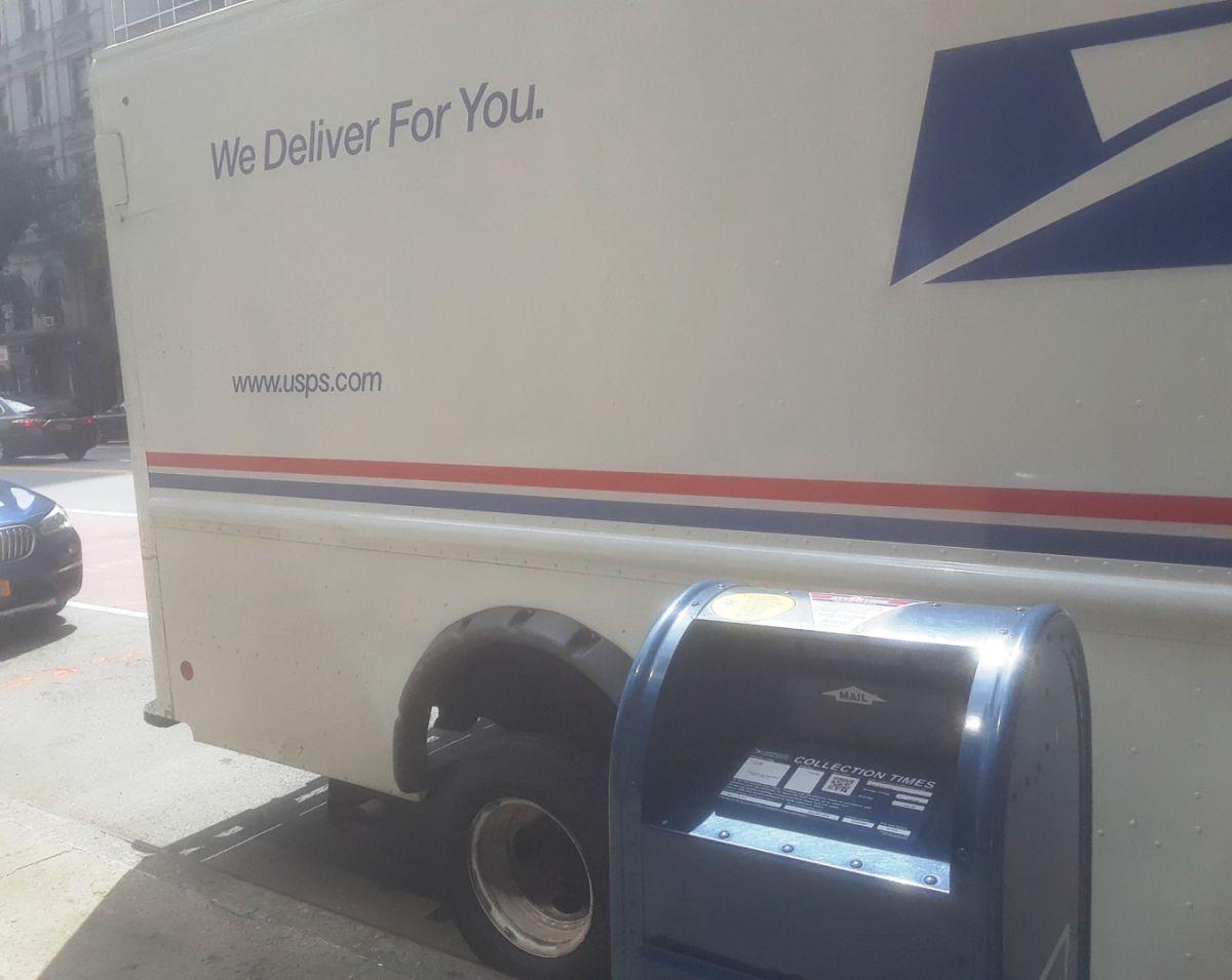 Arrestan a trabajador postal por botar miles de cartas, incluso boletas electorales en Nueva Jersey