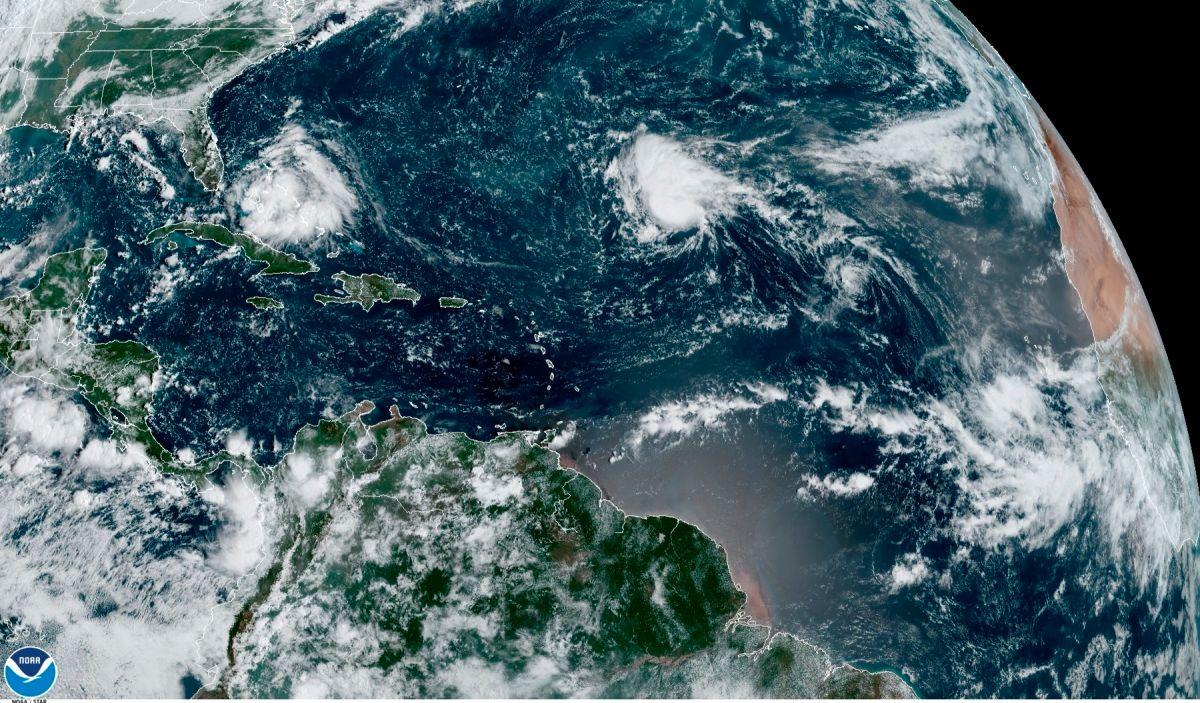 Depresión tropical 19 deja lluvia y marejadas en Florida, mientras Paulette podría convertirse en huracán muy pronto