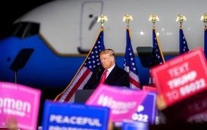 Trump anuncia $13,000 millones de ayuda para agricultores en plena campaña electoral
