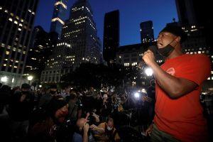 Miles protestaron en Nueva York veredicto que eximió a policías en la muerte de Breonna Taylor