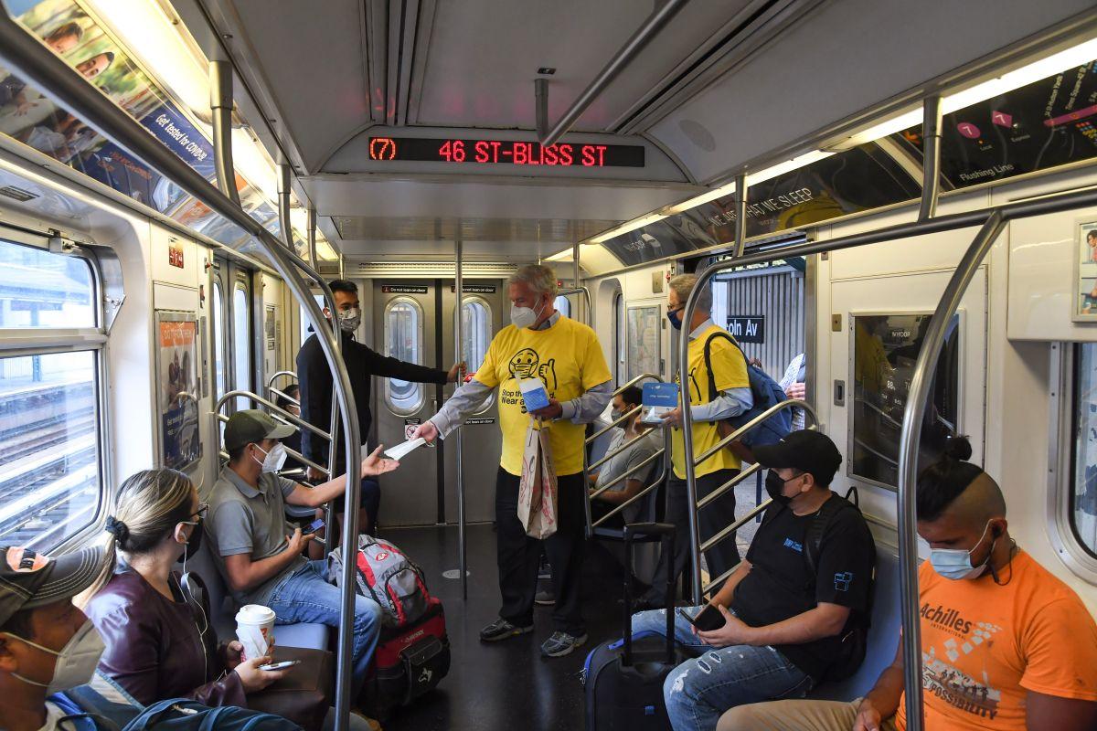 Cuidado lo multan por no usar mascarilla en buses y trenes de NYC