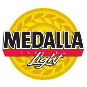 Comunidad boricua celebra por redes llegada de cerveza Medalla Light a Nueva York