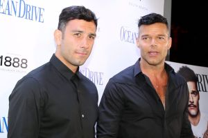 Esposo de Ricky Martin aparece en redes con heridas en la cara