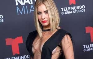 La actriz Carmen Aub no oculta ni maquilla la cicatriz que le quedó luego de quitarse los implantes de seno