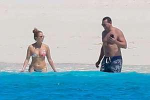 El ceñido bikini de Jennifer Lopez que remarcó sus famosos atributos