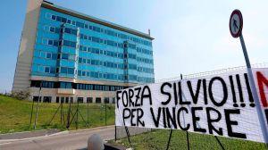 Silvio Berlusconi: exdueño del Milan está delicado por coronavirus