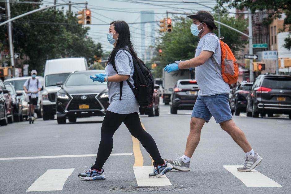 Nueva York registra un mes completo con una tasa de infección de coronavirus menor al 1%