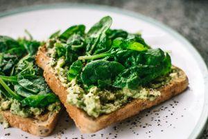 Cómo comer espinacas puede ayudar a prevenir la disfunción eréctil