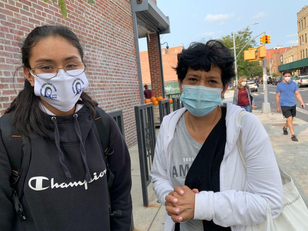 """De Blasio reconoce que """"hay que hacer más"""" para abrir de forma segura las 1,700 escuelas de NYC"""