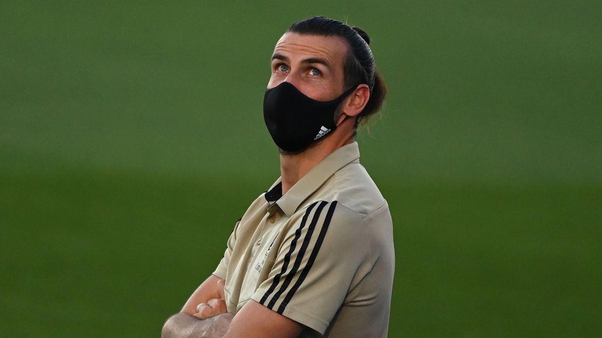 Bale reconoció que cree en los aliens.