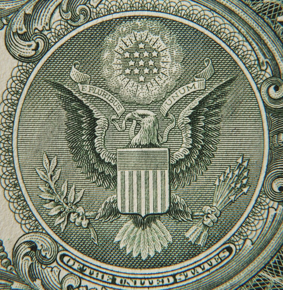 Advierten sobre un nuevo colapso del dólar con probabilidades de más de un 50% de una doble recesión