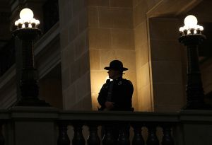 Policía de Wisconsin quiere reclutar a beneficiarios del DACA