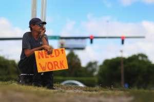 En noviembre se desaceleró la creación de empleo, EE UU sumó 245,000 empleos