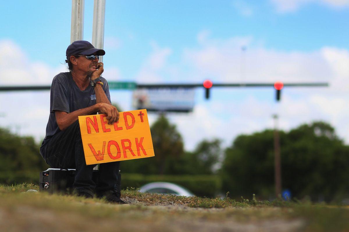 Senador presentará legislación para aumentar fondos extra semanales por desempleo a $600