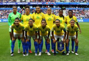 Brasil rumbo a la igualdad en el fútbol: Mismos ingresos para selecciones masculina y femenina