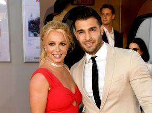 Britney Spears y su novio, Sam Asghari, sorprenden con candente fotografía en la playa