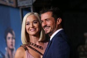 Katy Perry presenta en sociedad a su pequeña Daisy a través de videollamadas