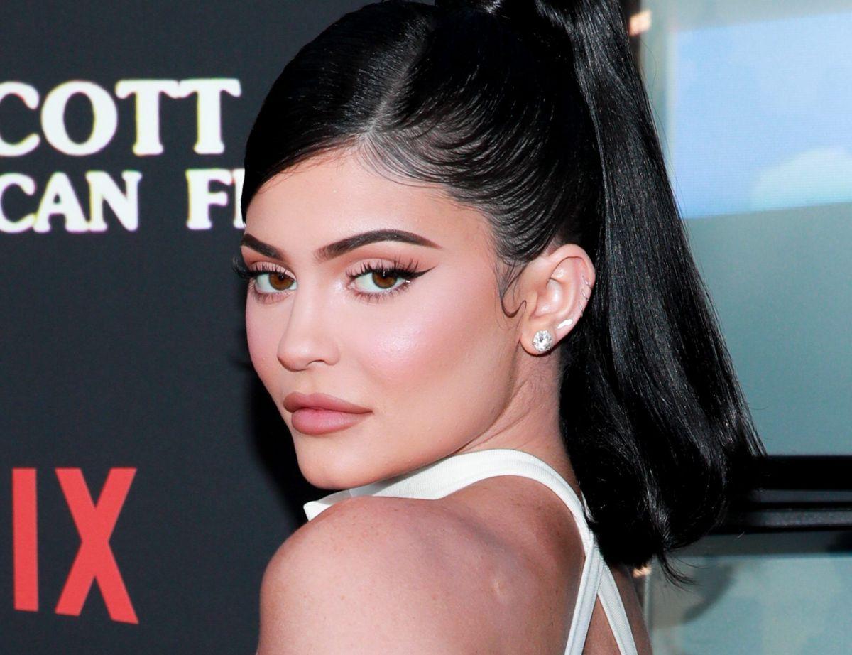 Los detalles del sexy body de terciopelo que lució Kylie Jenner