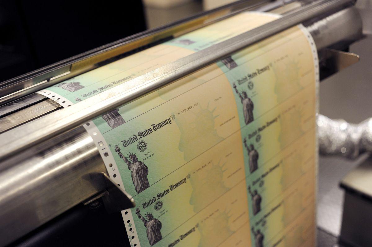 ¿Podría aprobarse un nuevo cheque de estímulo esta semana?
