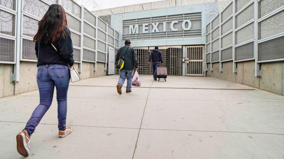 México y Estados Unidos extienden restricción de viajes no esenciales hasta octubre