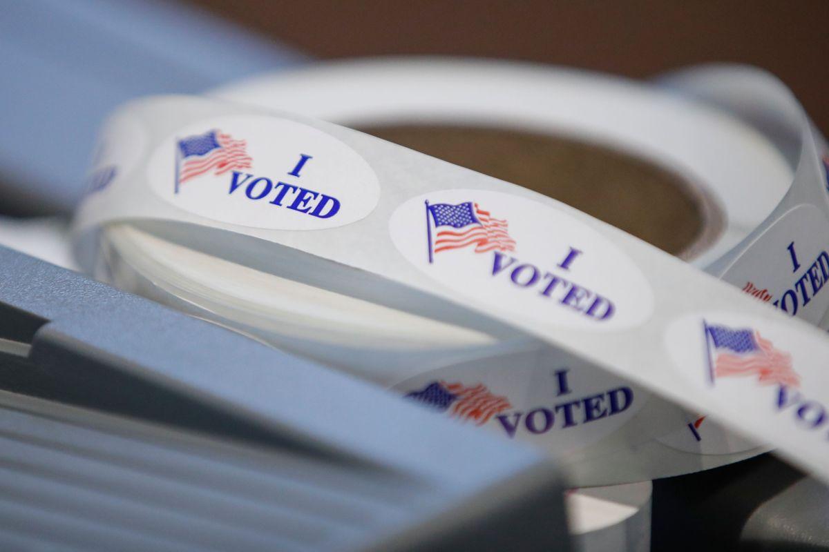 Los latinos expresan poco ánimo para votar.