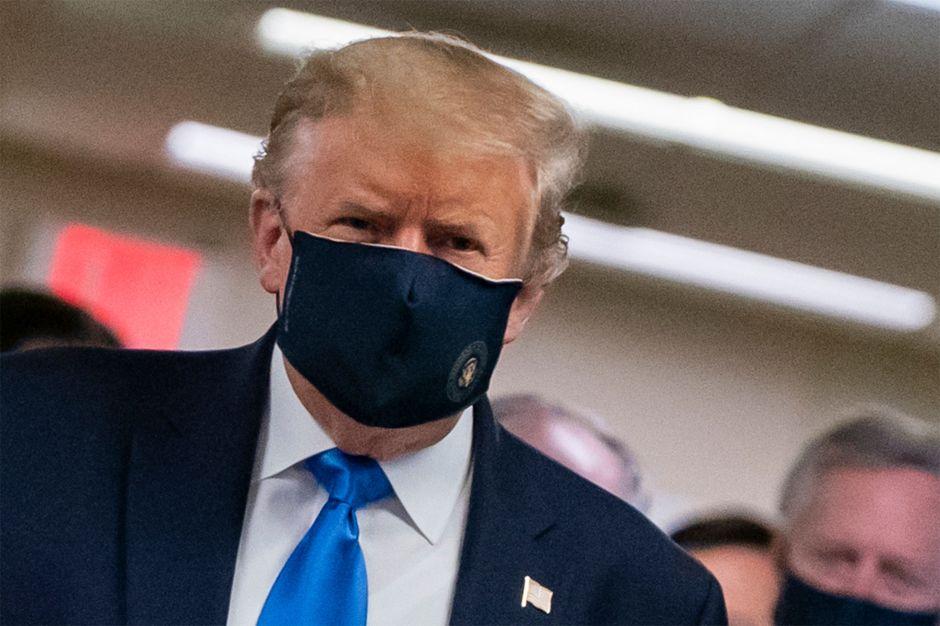 Trump contradice a CDC y promete miles de vacunas contra coronavirus para fin de año