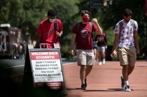 Change.org: estudiantes universitarios se quejan de que los excluyen de cheques de estímulo al reclamarlos como dependientes