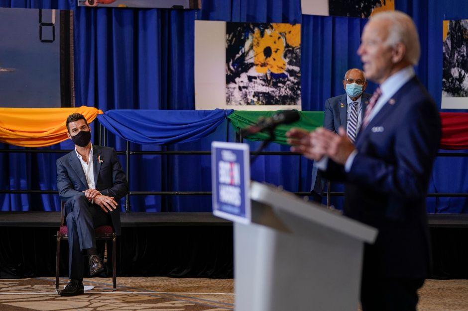 Biden busca seducir a los votantes boricuas en su viaje de campaña al sur de Florida
