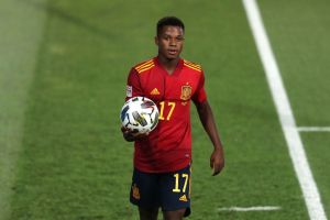 El eufórico festejo de la familia de Ansu Fati por su primer gol con la Selección de España