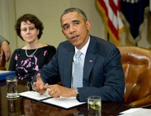 Defensores de inmigrantes critican a Biden por elegir a cargo de Administración Obama para su campaña