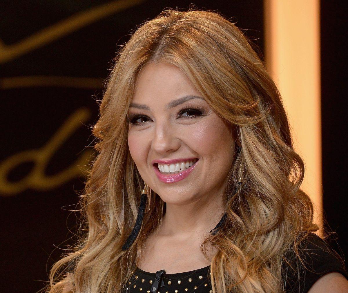 Thalía confesó que era una niña solitaria que se culpaba por la muerte de su padre