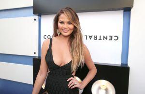 Chrissy Teigen se implica en la polémica sobre la foto de Khloé Kardashian en bikini sin editar