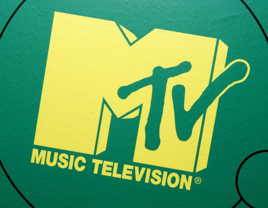 MTV y Comedy Central pagan multas de exreos para que puedan votar