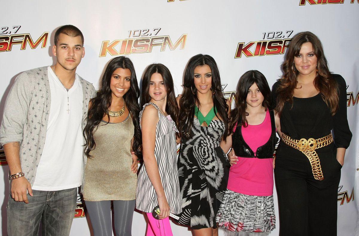 Las Kardashian-Jenner discuten pos sus habilidades deportivas.