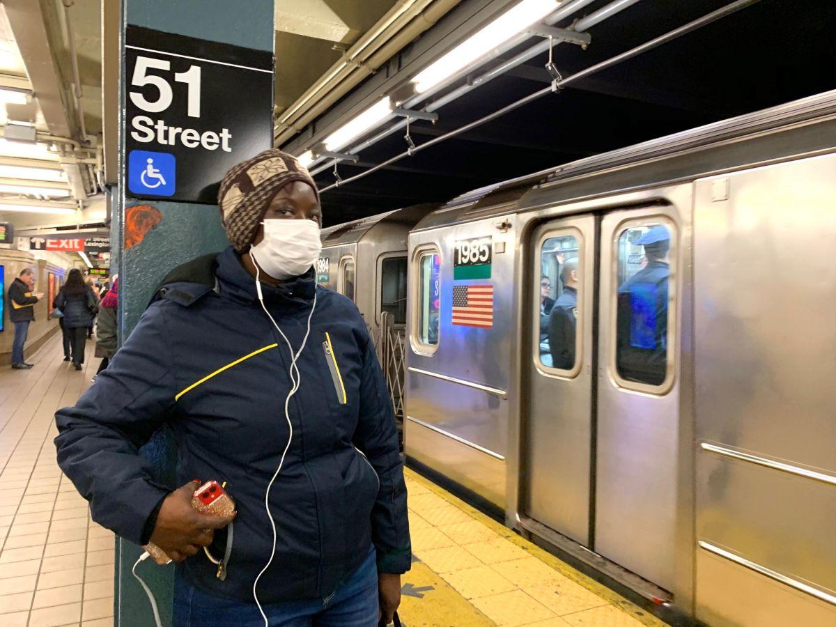 Multarán con $50 a los usuarios del Subway de la Gran Manzana que no usen una máscara
