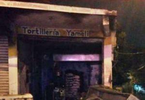 Narcos queman tortillería porque dueños no les pagaron extorsión