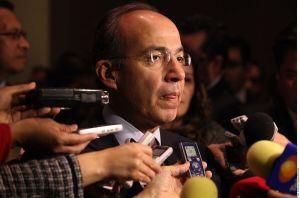 AMLO lanza irónico mensaje a Felipe Calderón ante la negativa que recibió para registrar partido político